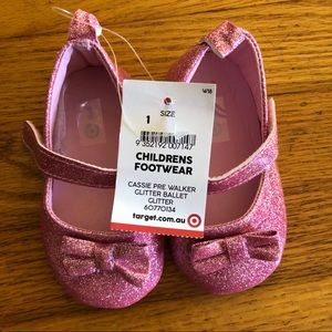 Baby girl Sparkly pink shoes size 1